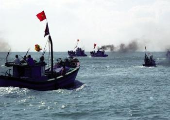 Bảo vệ ngư dân khai thác trên biển