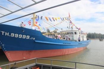 Thừa Thiên-Huế hỗ trợ ngư dân khai thác hải sản vùng biển xa