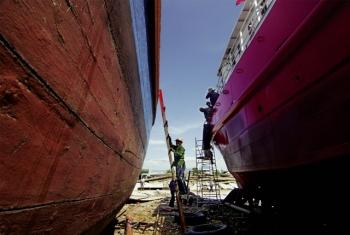 Bình Ðịnh: Gỡ khó cho tàu dịch vụ hậu cần