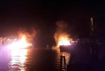 Cháy tàu cá dữ dội trên biển Hòn Đất, Kiên Giang, 3 tàu cá thiệt hại nặng