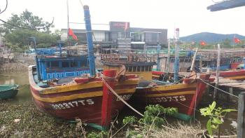 Quảng Bình: Đi biển thất thu, nhiều ngư dân treo biển bán tàu