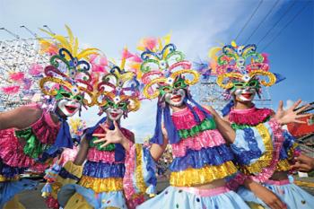 """Lễ hội """"vui vẻ"""" sặc sỡ nhất châu Á"""