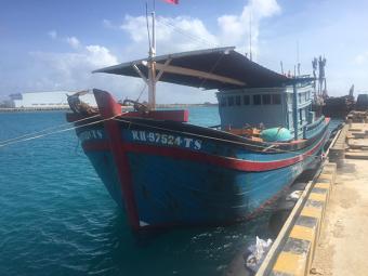 Sửa chữa thành công sự cố tàu cá KH 97524 TS