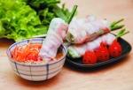 Gỏi cuốn tôm thịt thơm ngon ngày Tết