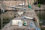 Lấy nước ngầm nuôi tôm ở Đồng Tháp - lợi bất cập hại