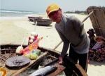 Ngư dân khuyết tật kiên cường bám biển