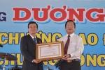 Giám đốc Dương Văn Hùng nhận Huân chương Lao động hạng Ba