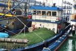 Khắc phục sự cố tàu 67 cho ngư dân Bình Định: Tàu không vào được xưởng, làm sao thay máy?