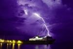 Phòng chống dông sét cho tàu khai thác trên biển