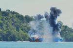 Tàu cá phát nổ trên biển, 14 ngư dân thương vong