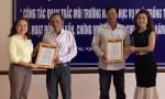 Trao chứng nhận VietGAP cho hai cơ sở hợp tác nuôi tôm