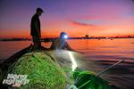 Thức trắng đêm săn cá tiền triệu cùng ngư dân ở miền Tây