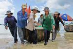 Đà Nẵng: Màu của biển lúc bình minh