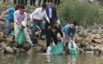 Mỗi năm Hà Nội thả từ 1 đến 2 tấn cá giống về môi trường tự nhiên