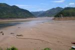 Sơn La: Nước sông Đà đột ngột rút mạnh, dân nuôi cá lo sốt vó