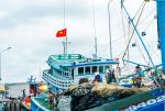 Nguy hiểm không cản bước ngư dân