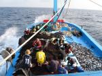 Liên tiếp bắt giữ tàu cá khai thác hủy diệt