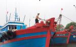 Còn nhiều tàu thuyền hoạt động tại vị trí bão đi qua