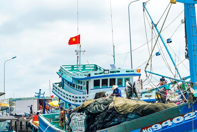 Kiên Giang: Thực hiện hiệu quả lắp đặt thiết bị giám sát hành trình tàu cá