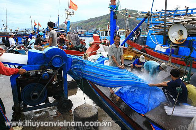 Trang bị cho ngư dân những kiến thức cơ bản về khai thác hải sản
